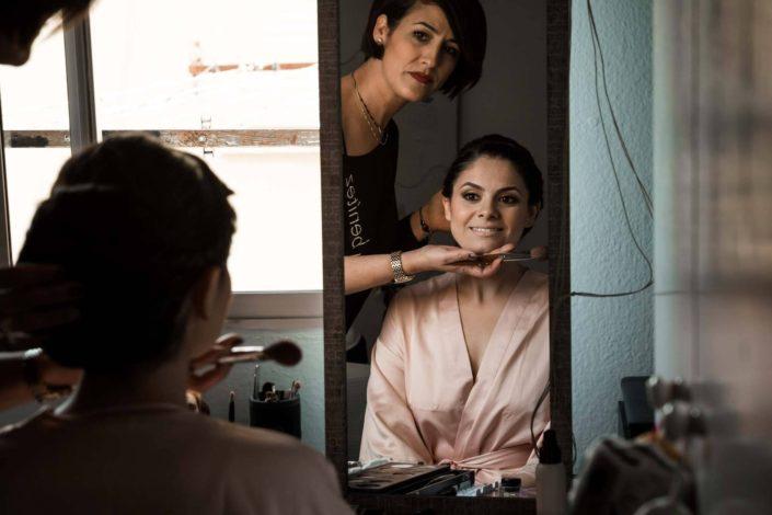 maquilladora-novia-espejo
