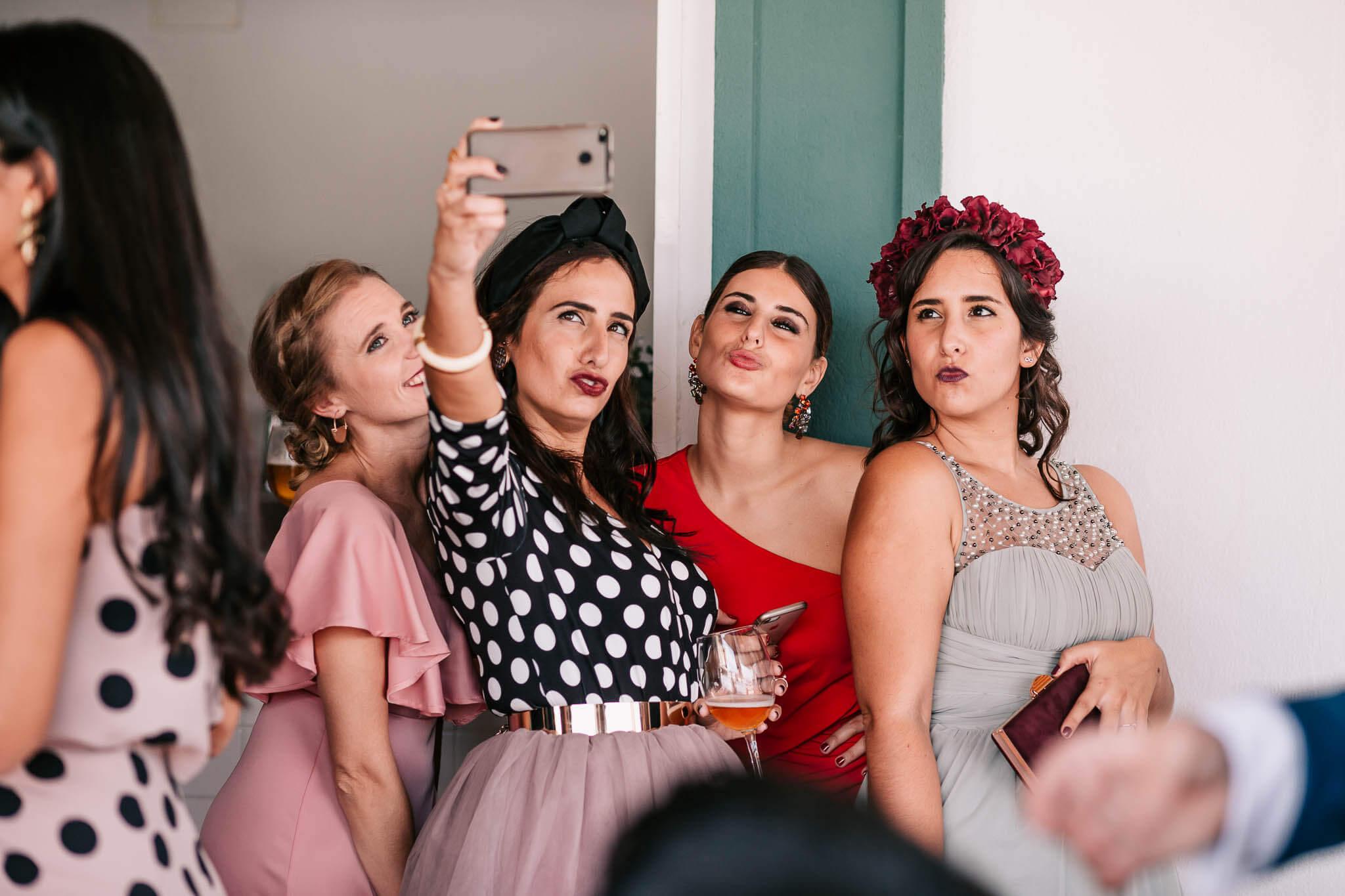 amigas-novia-selfie
