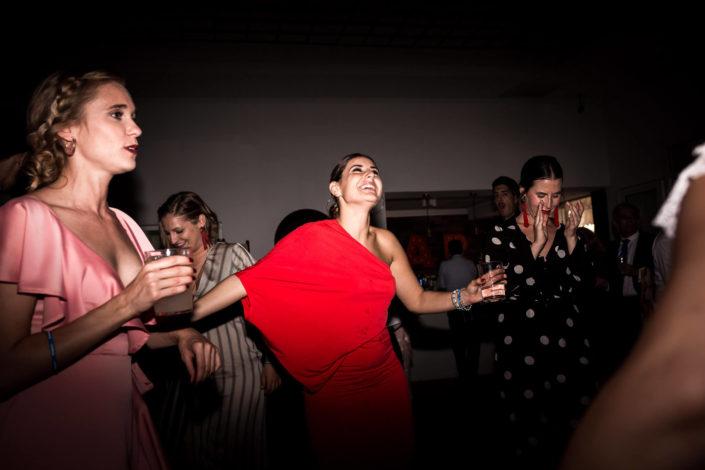 invitadas-bailando