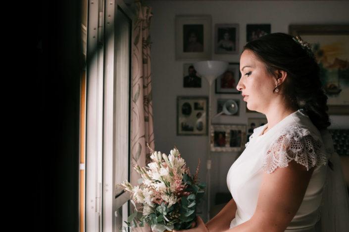 novia-observa-ramo