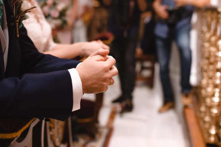 manos-anillos-novio
