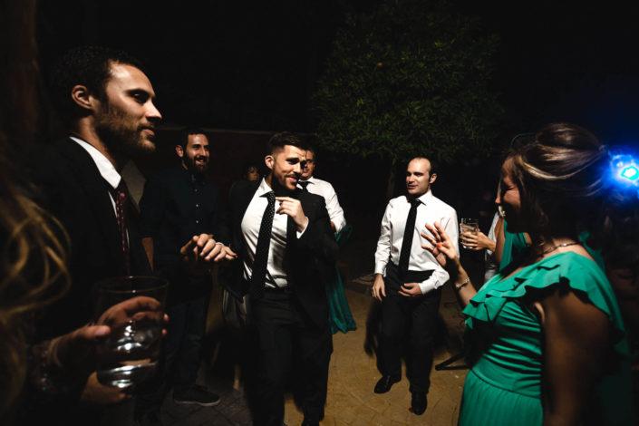 invitados-bailando-barra-libre