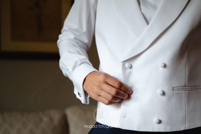 Chaleco blanco traje novio