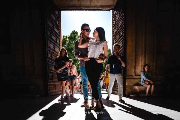 Novios entrada Palacio circular Carlos V Alhambra