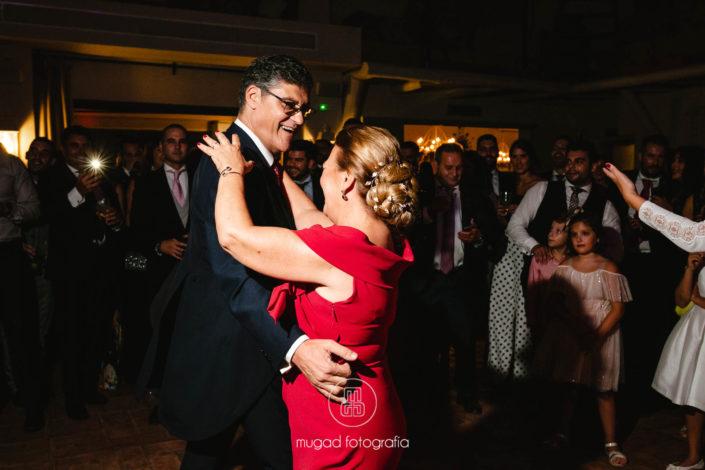 Baile-en-fiesta-de-boda