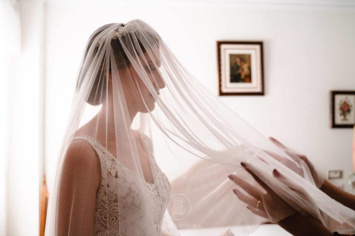 colocando-velo-novia