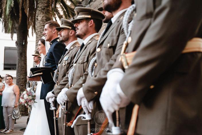trajes-militares-boda